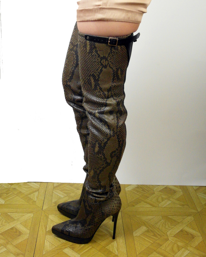 nwot burberry green snakeskin thigh high boots 39 ebay